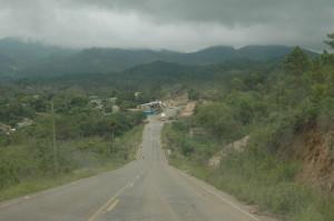 Lempira Road near Canguacota
