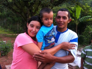 Jorge, Yeni and their child