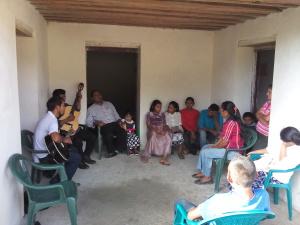 Having bible study in Carrizal