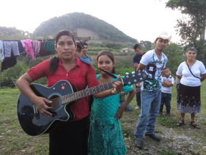 Oneida is a dear sister in Carrizal who is determined to learn how to play her guitar to worship the King ofkings!